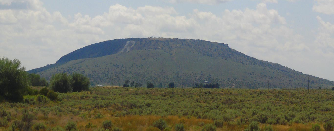R-mountain-distant-panorama